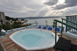 Undoctored image of the Breezes Montego Bay Jacuzzi from Oyster Hotel Reviews