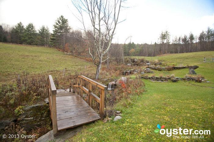 Esta pequena ponte faz para uma foto linda, assim como muitos outros locais pitorescos em toda a fazenda.