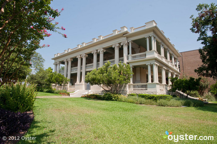 Built in 1900, this neoclassical mansion is the perfect place for a true Southern wedding.