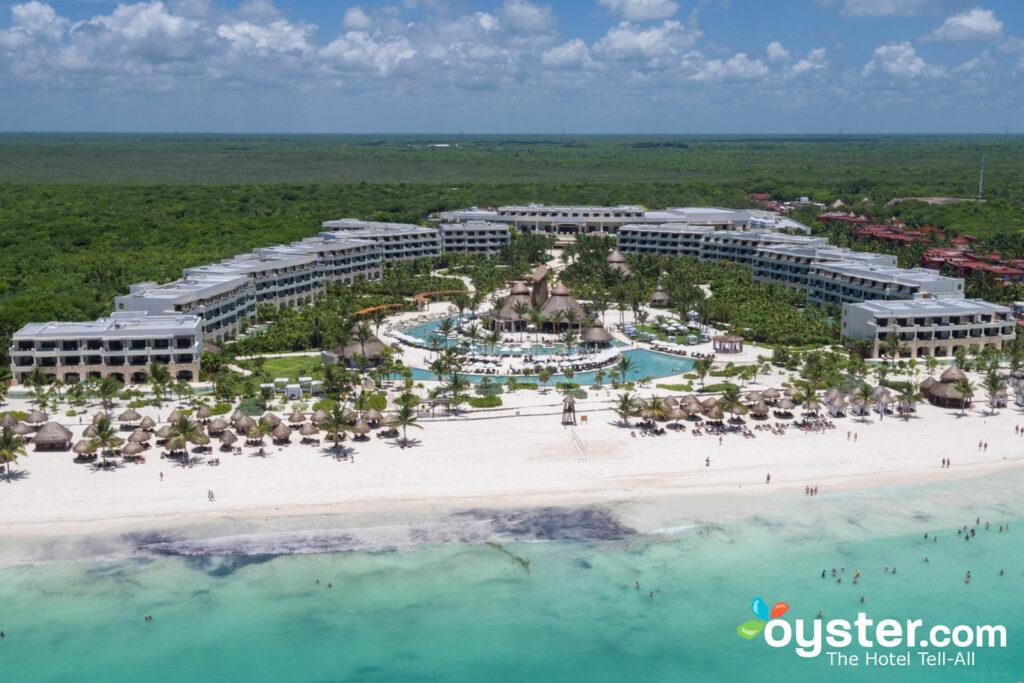 Secretos Maroma Playa Riviera Cancun / Oyster