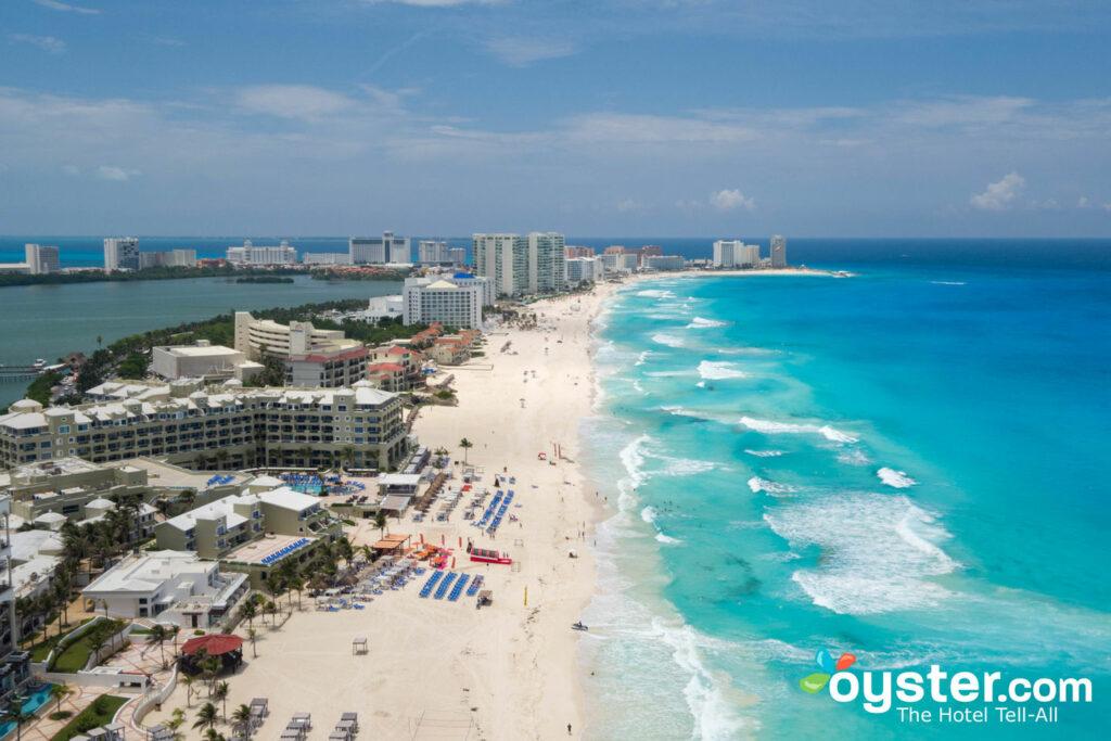 Vista aérea en el Hyatt Zilara Cancún / Oyster