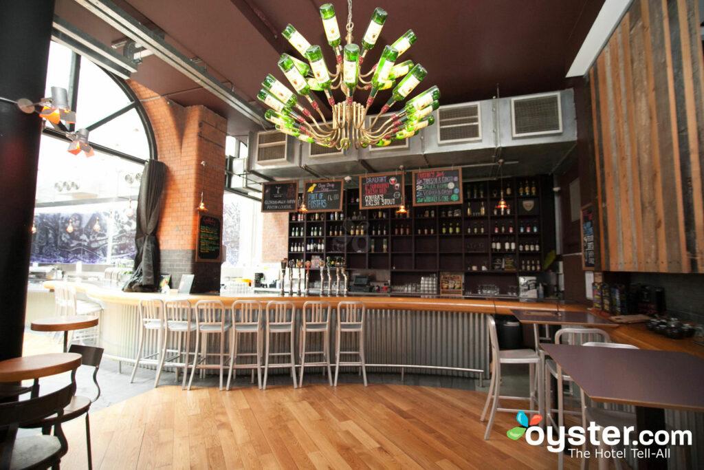 Bar en el Generator Hostel Dublin