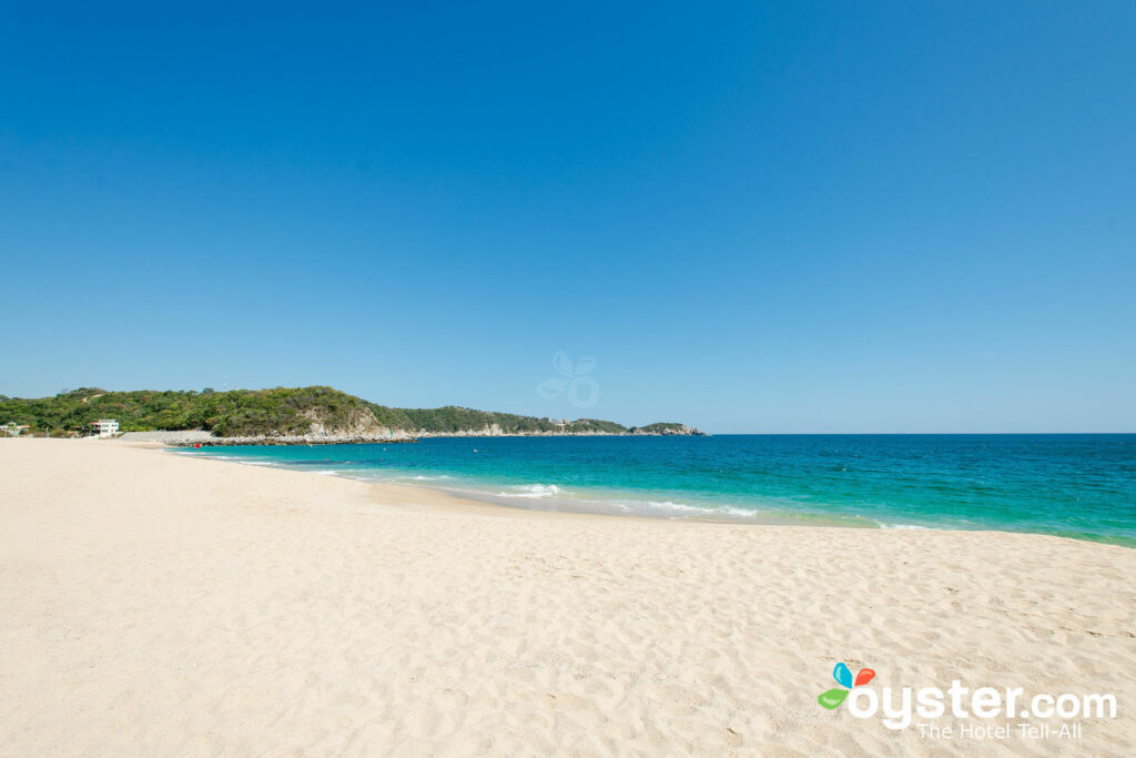 Strand in Huatulco / Oyster