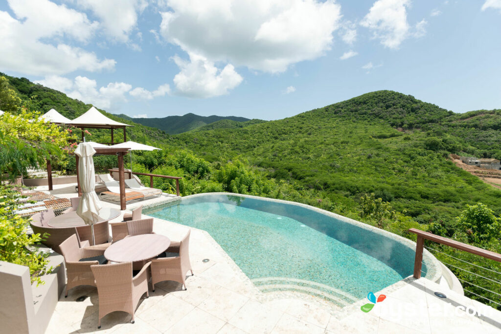 Carmichaels Infinity Pool in Sugar Ridge, Antigua / Oyster