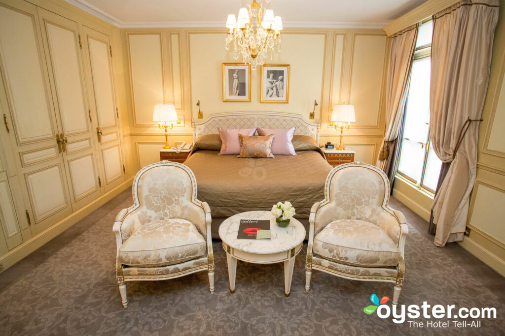 Quarto Executivo no Le Meurice / Oyster