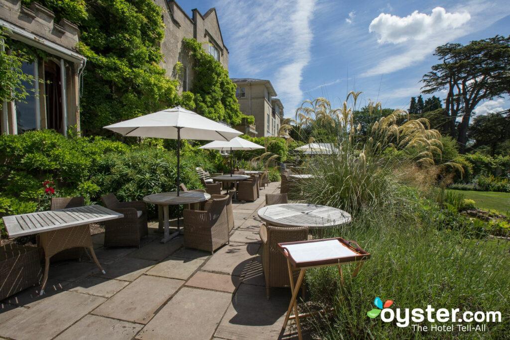 Le Bath Priory Hotel abrite un spa, de beaux jardins et un restaurant étoilé au guide Michelin.