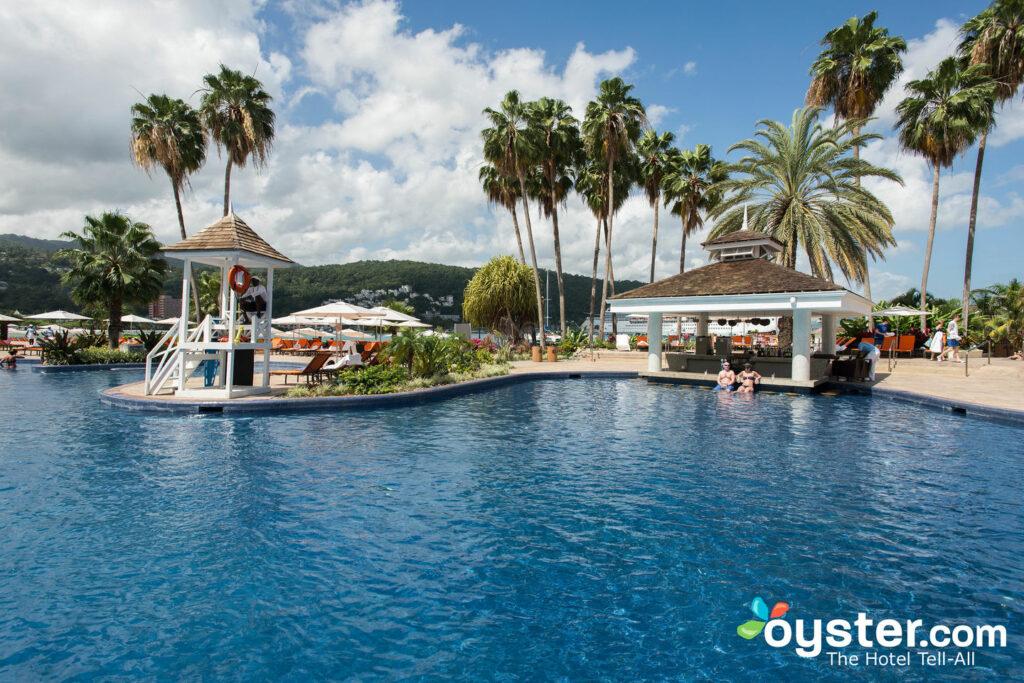 A piscina principal no Moon Palace Jamaica Grande / Oyster