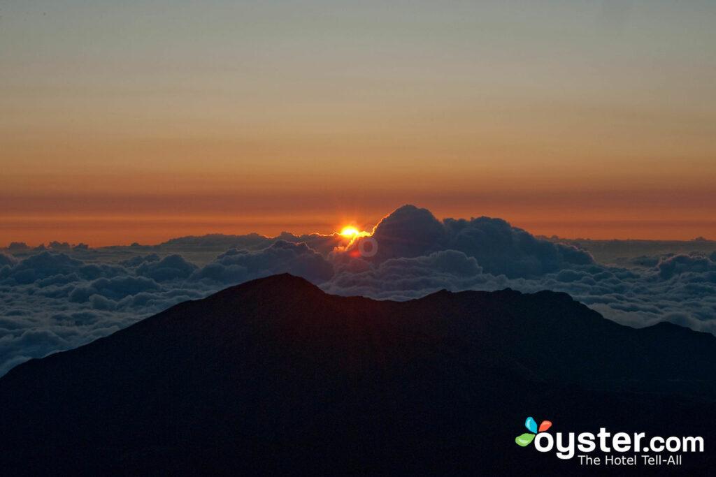 Amanhecer, em, Haleakalā, parque nacional, maui / ostra