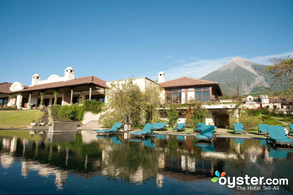 Piscina en La Reunion Golf Resort & Residences