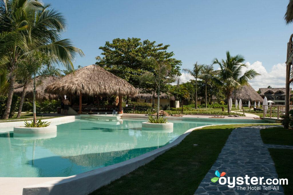 A piscina no Zoetry Agua Punta Cana / Oyster