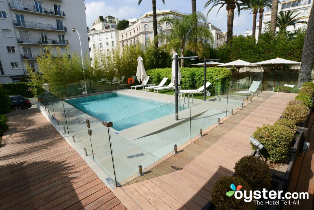 Hotel Le Canberra es una encantadora boutique en Cannes.