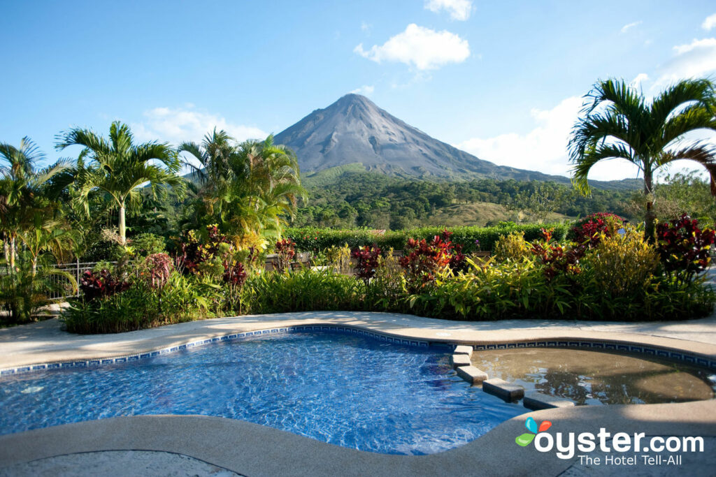 Der Pool im Arenal Kioro Suites & Spa, Costa Rica / Oyster