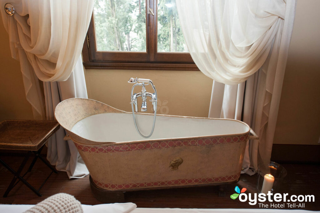 Cool 8 Awesome Hotel Features You Can Recreate At Home Oyster Com Home Remodeling Inspirations Propsscottssportslandcom