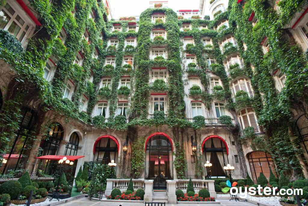 Courtyard at Hotel Plaza Athenee/Oyster
