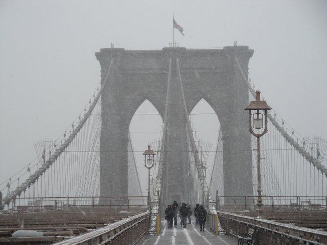 Início da tempestade de 3 dias. Brooklyn Bridge, dez. 2010