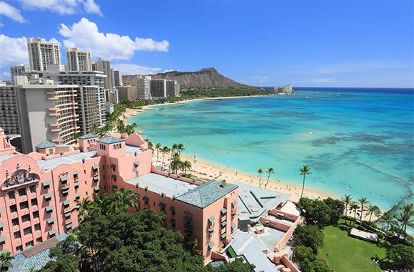 Photo: Waikiki Beach via Shutterstock