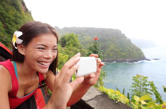 Photo: Tourist in Hawaii via Shutterstock