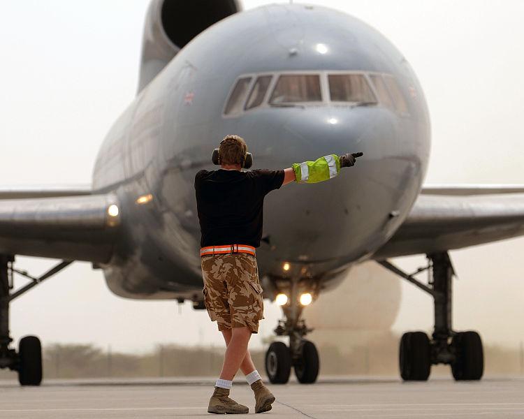 S'il est retardé plus longtemps que cela, attendez-vous à être renvoyé à la porte. Photo gracieuseté du Sgt Pete Mobbs RAF / MOD