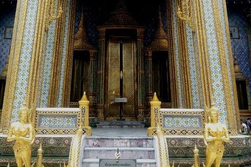 Il Wat Phra Kaew nel grande complesso del palazzo di Bangkok