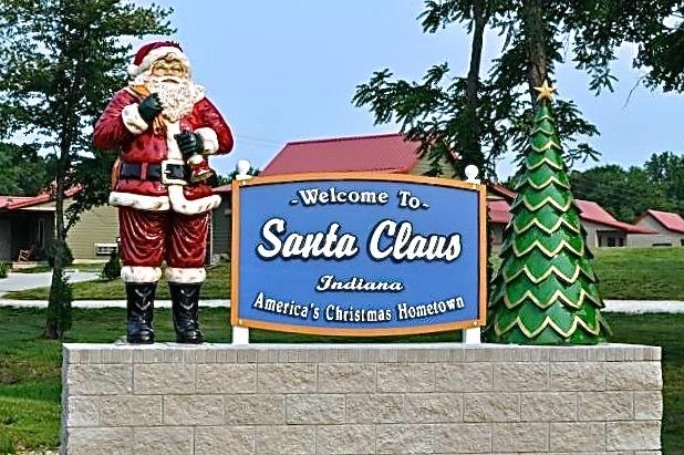Photo courtesy of Santa's Lakeside Cottages.