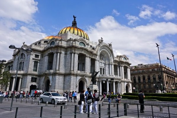 Palacio de Bellas Artes; Photo Credit: Andrew Villagomez