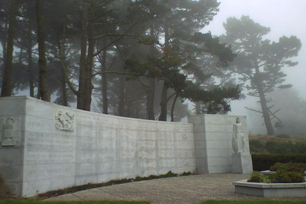 Misty day at the West Coast Memorial to the Missing of World War II (Photo Courtesy Of: Wikimedia Commons)