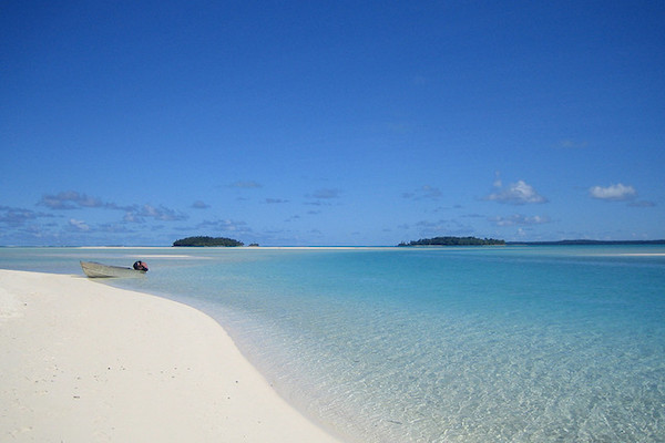 White Sands of the Cook Islands (Photo Courtesy Benedict Adam)