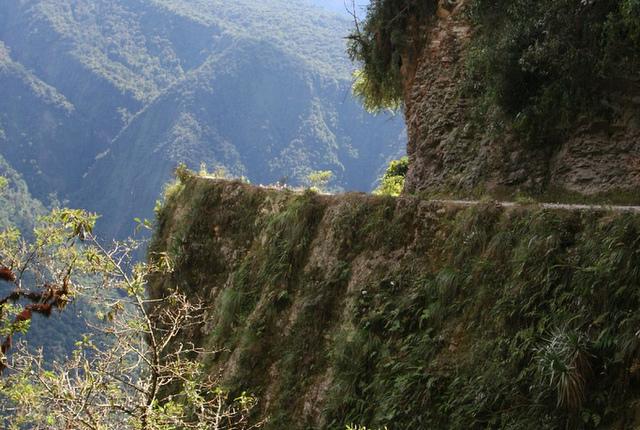 A sharp turn on Yungas Road, taken by Michael Fernando Jauregui Schiffelmann