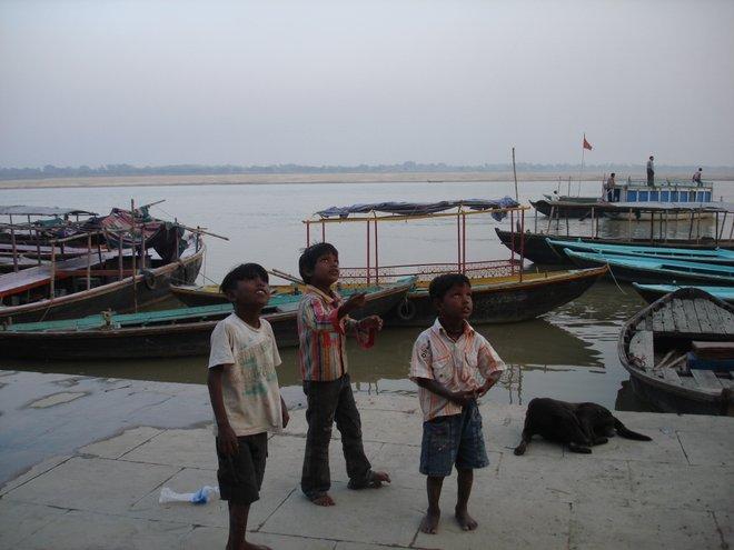 Kite flying in Varanasi image courtesy Kyle Valenta.
