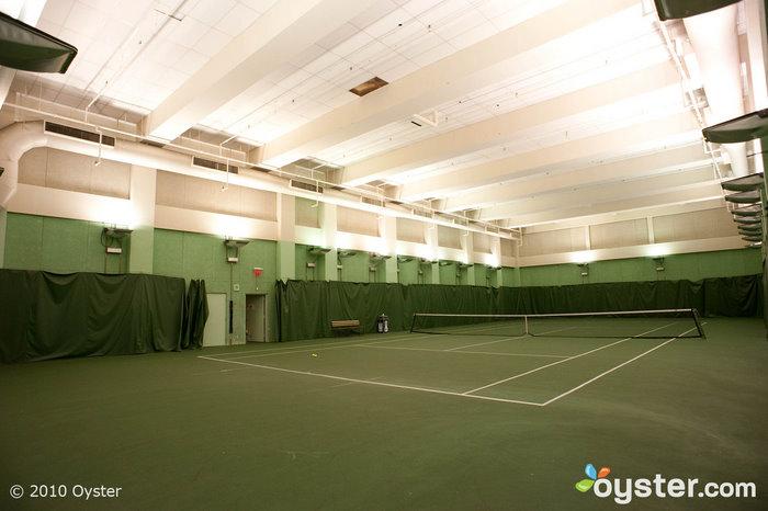 A tennis court at Millennium UN Plaza