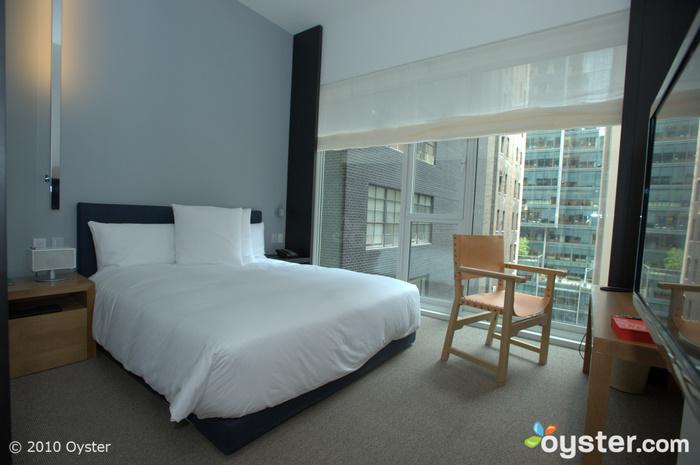 Reguläres Zimmer mit Kingsize-Bett
