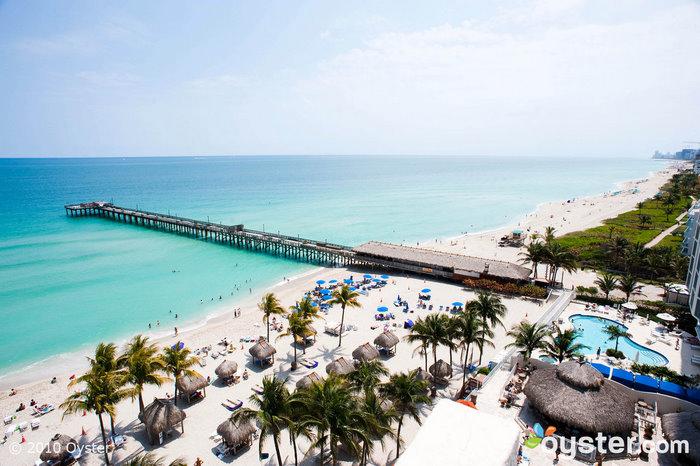 Un muelle en una de las playas del norte de Miami