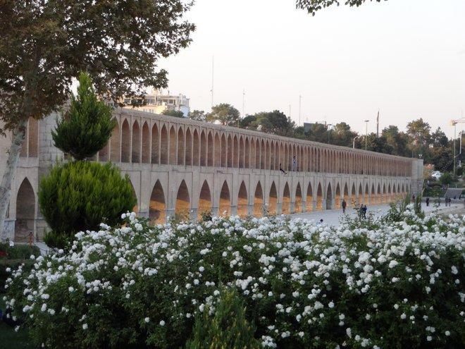 Si-o-Seh Pol Bridge in Esfahan; Photo by Chris Nielsen