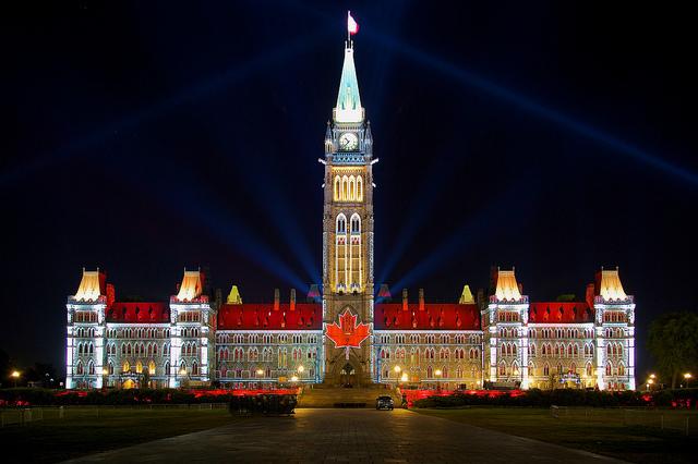 Bloco do centro, monte do parlamento, Ottawa, Ontário. Foto cedida por  Jiuguang Wang