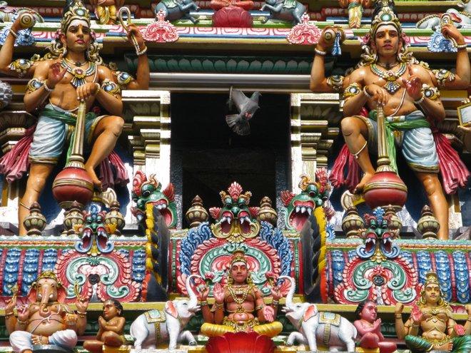 Kapaleeshwarar Temple detail image courtesy of mountainamoeba via Flickr