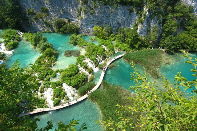 Plitvice Lakes National Park courtesy of 29cm/Wikimedia Commons