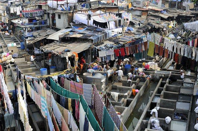 Um dhobi ghat em Mumbai. Cortesia de MM Suíça / Wikimedia Commons .