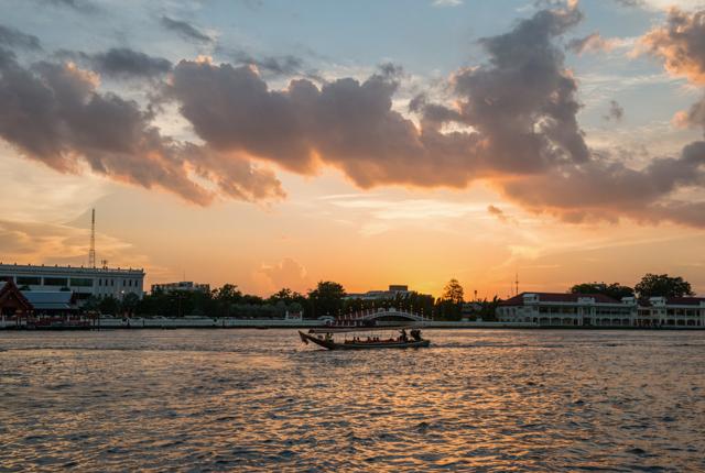 Chao Phraya River/Oyster
