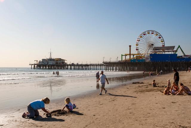 Spiaggia di Santa Monica, Los Angeles / Oyster