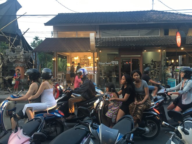 Packed roads in Bali; Image courtesy of Kyle Valenta
