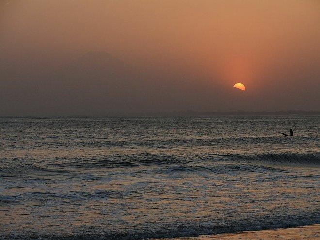 Atardecer en la isla Enoshima. Cortesía de Abendstrom / Wikimedia .