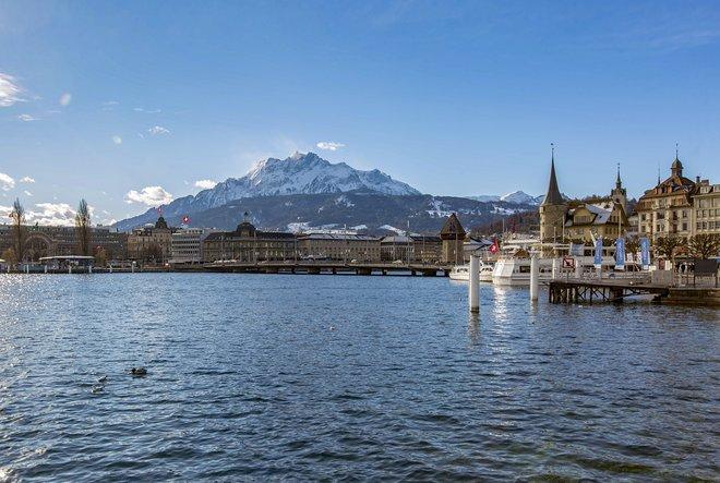 Lago de Lucerna en el Hotel Schweizerhof Luzern / Oyster