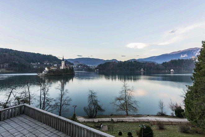 La Suite con vista al lago en el Vila Bled / Oyster