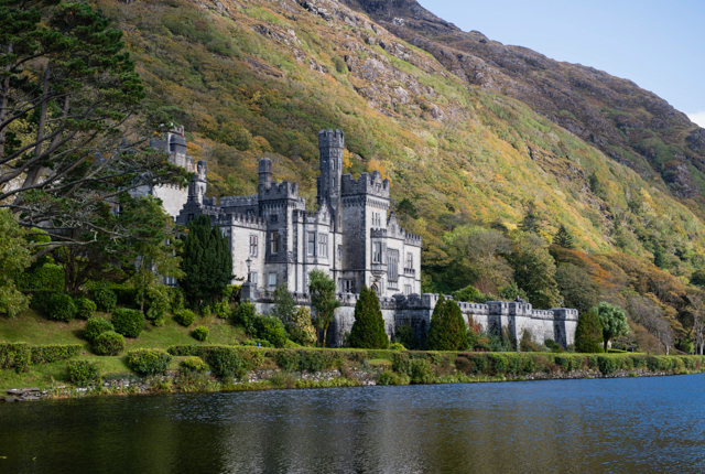 Kylemore Abbey / Oyster