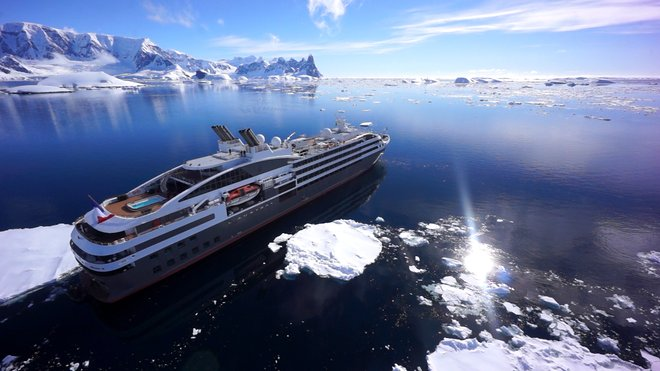 Ponant Cruises Antarctique;  Ponant via Roderick Eime / Flickr