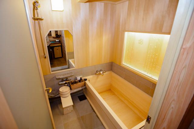 O quarto japonês (Umekoyomi) no Shiraume / Oyster