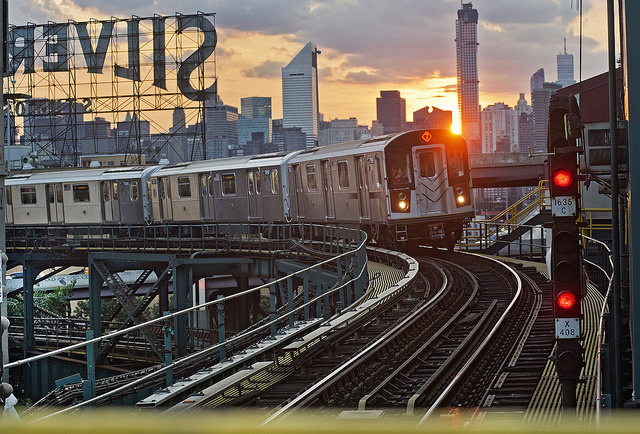 NYC 7 Zug in Queens; Metropolitan Transportation Authority des Staates New York / Flickr