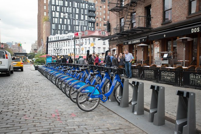 Eine CitiBike-Station in Chelsea, auf Manhattans West Side / Oyster