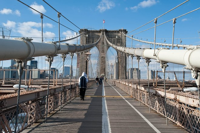 Walking the Brooklyn Bridge is bucket-list worthy/Oyster
