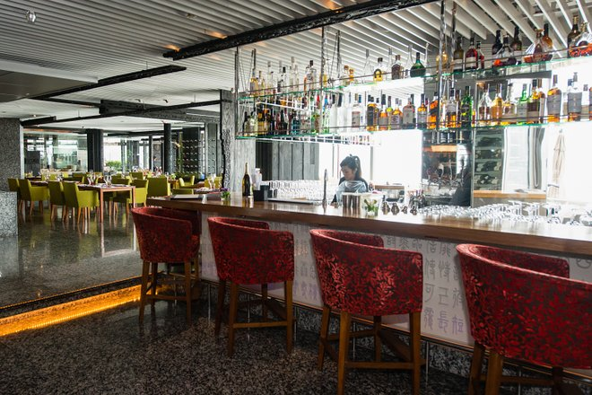 Cucina no Marco Polo Hongkong Hotel / Oyster